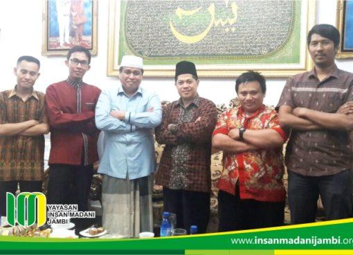 Direktur Eksekutif ber Silaturahim ke Bapak Hasan Basri Agus