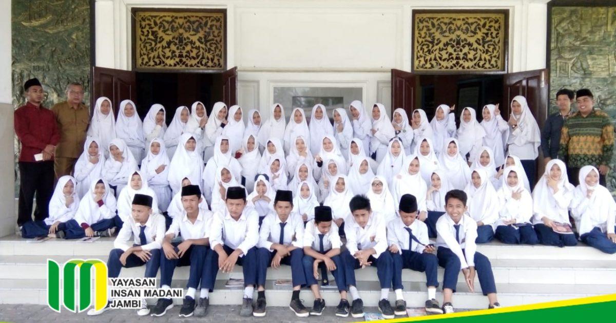 Kunjungan Edukasi Siswa SMP Insan Madani