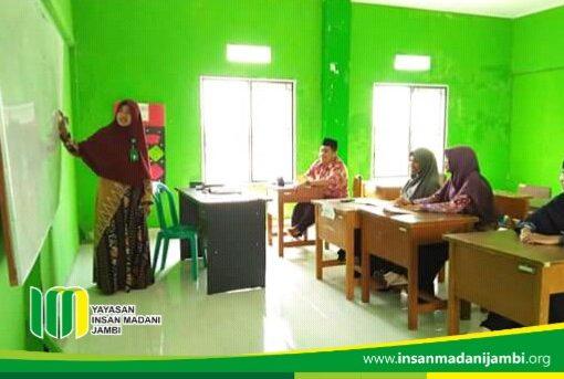 Micro teaching guru SMP insan madani