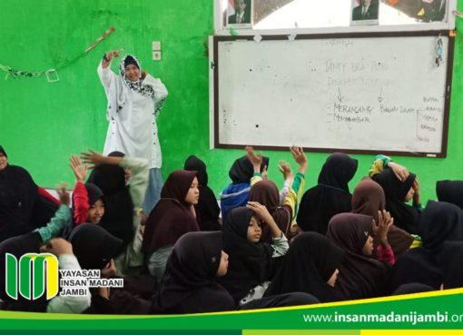 Guest teacher Insan Madani
